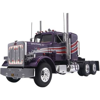 Revell Peterbilt 359 Contentional Tractor Plastic Model Kit, 1:25: Vehicles, Trains & Remote Control