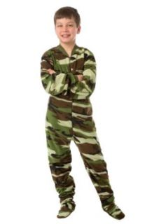 Big Feet Pjs Kids Green Camo (605) Fleece Footed Pajamas: Clothing