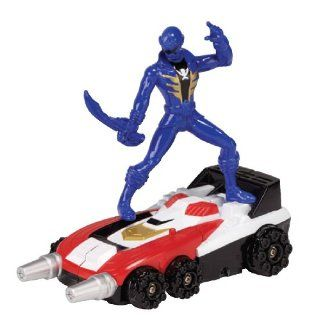 Power Rangers Super Megaforce   Delta Runner Zord and Blue Ranger: Toys & Games