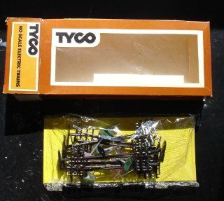 Tyco HO Scale Train Assessories Signs and Light Poles Toys & Games