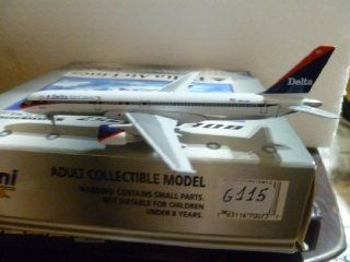 AIRCRAFT MODEL DELTA AIRLINES BOEING B 757 232