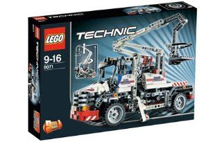 LEGO Technic Bucket Truck 8071: Toys & Games