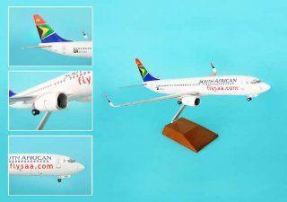 Skymaarks South African 737 800 1:100 Model Airplane   Hobby Pre Built Model Aircraft
