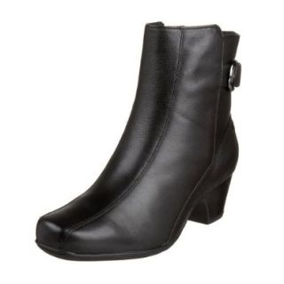 Clarks Artisan Women's Dara II Boot,Black Leather,6.5 M US: Shoes