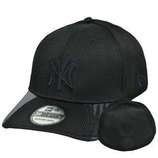 MLB New Era 39Thirty 3930 New York Yankees Lightning Strike Flex Fit Hat Cap SML  Sports Fan Baseball Caps  Sports & Outdoors