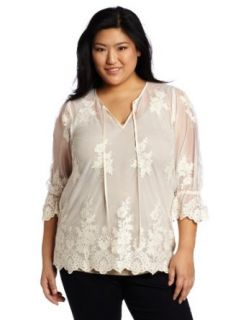Karen Kane Women's Plus Size Scallop Lace Top, Cream, 0X at  Women�s Clothing store